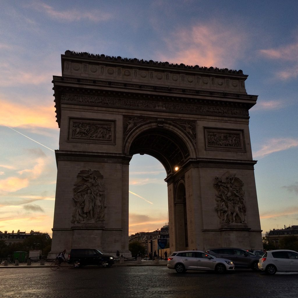 Arc-de-Triomphe-sunset-Paris
