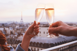 champagne-rooftop-view-of-eiffel-tower