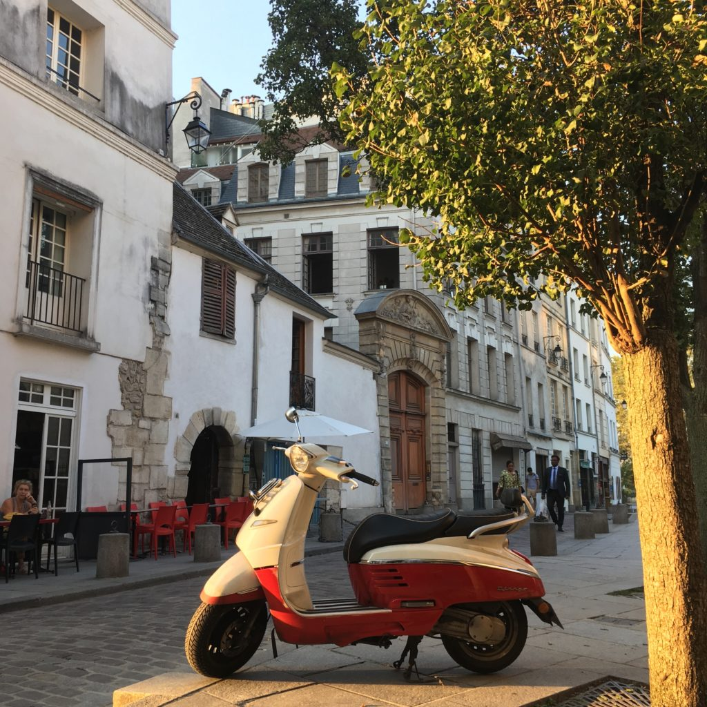 paris-streets-neighborhood