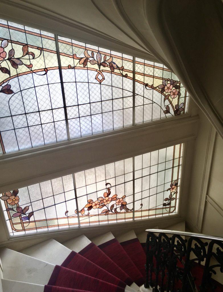luxury-apartment-staircase