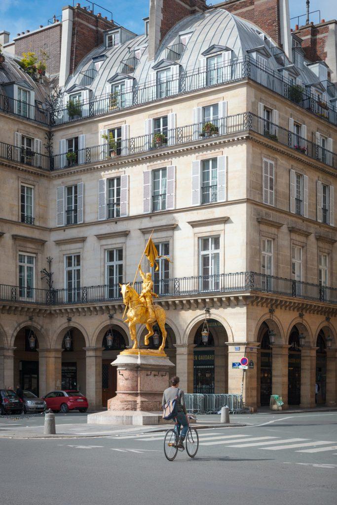 arc-de-triomphe-Paris-rooftop-view