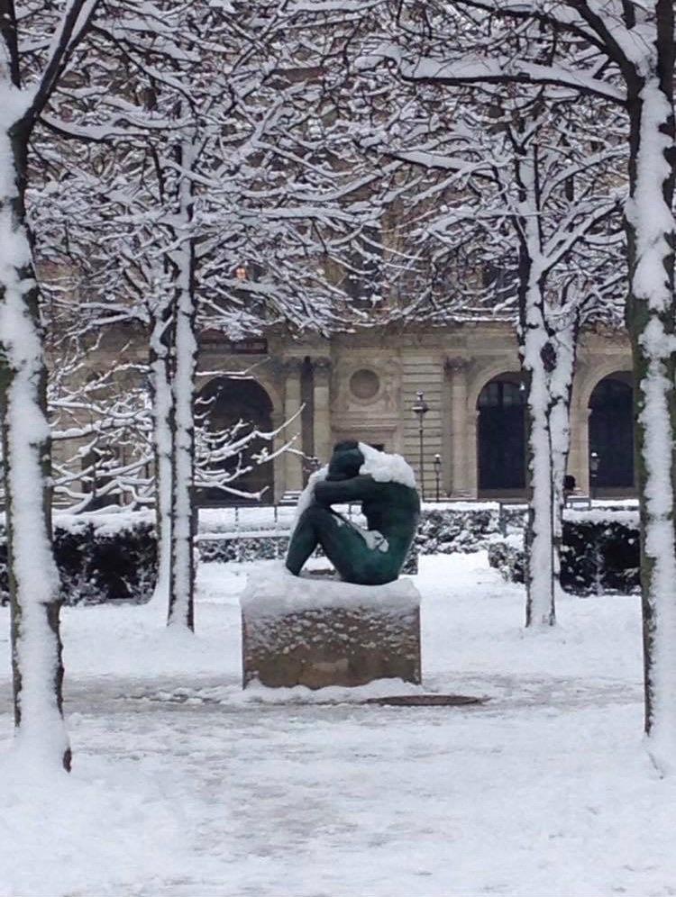 statue-snowed-in-Paris-Claires-Interview