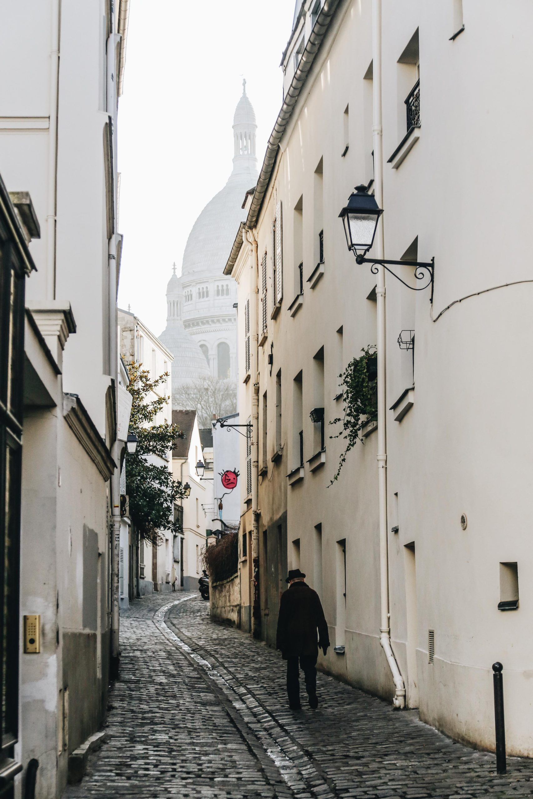 expat-in-montmartre-Paris-Celine-Concierge
