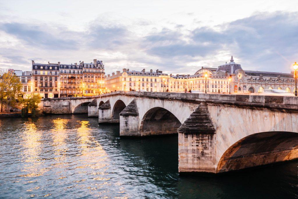 Paris-Seine-Celine-Concierge