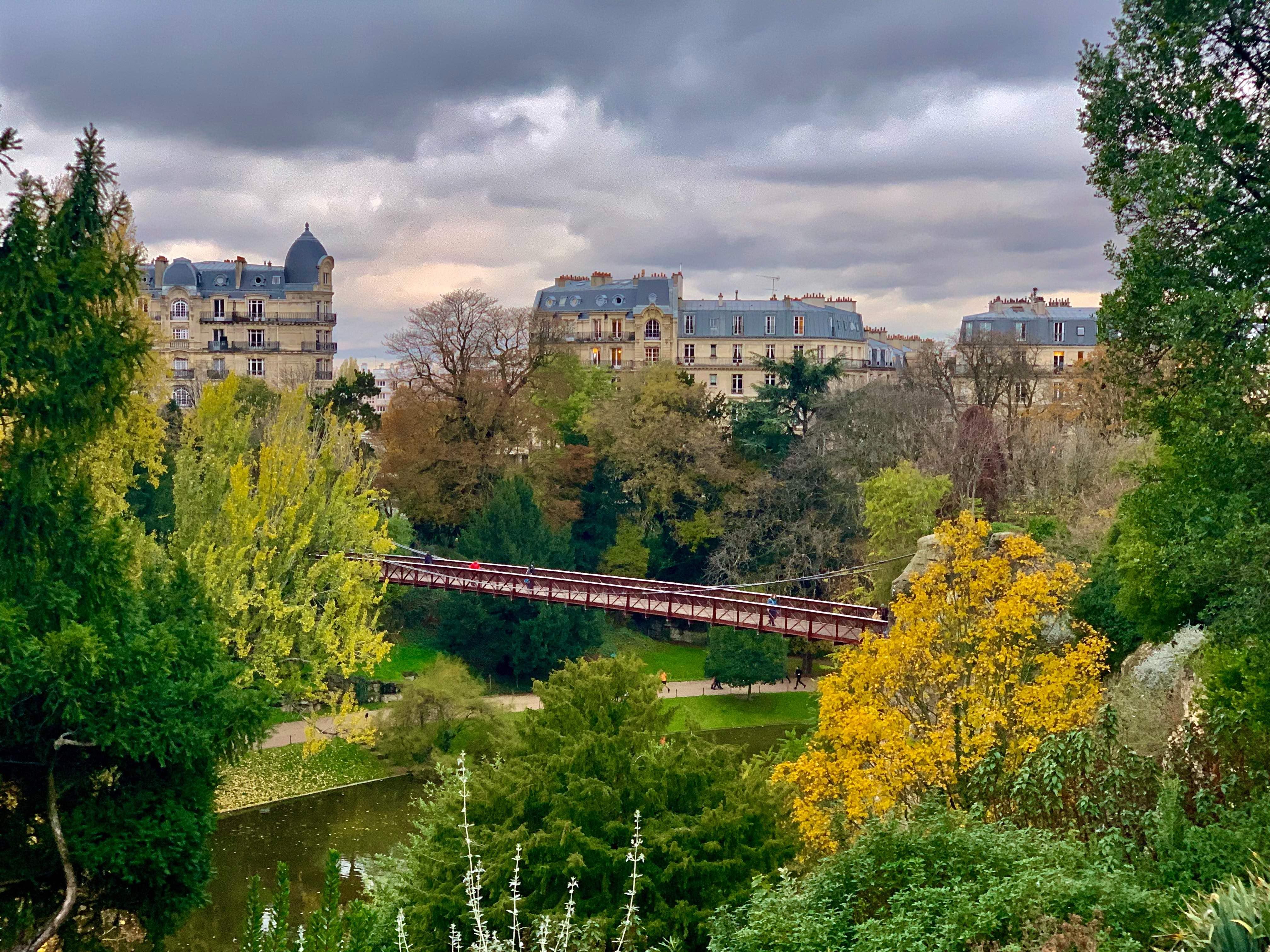 Buttes-Chaumont-Paris-Celine-Concierge